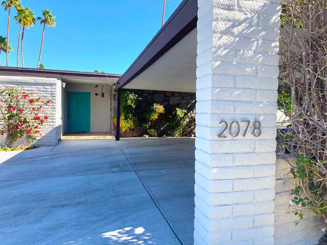 2078 S Lagarto Way, Palm Springs, CA 92264 (MLS #219047317) :: The Sandi Phillips Team