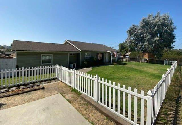 9035 Rosedale Drive, Spring Valley, CA 91977 (MLS #219049992) :: The John Jay Group - Bennion Deville Homes