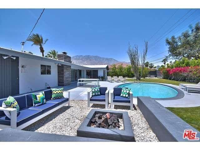 3030 E Vista Chino, Palm Springs, CA 92262 (MLS #219051193) :: Zwemmer Realty Group