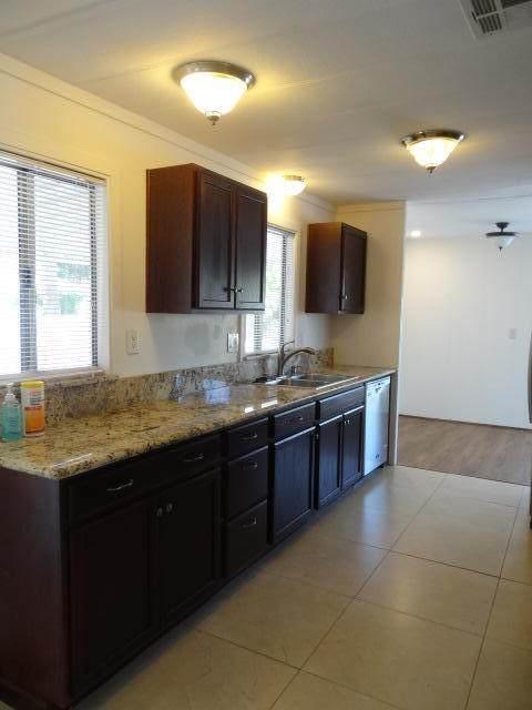 14 Diamond E Drive, Palm Desert, CA 92260 (MLS #219051447) :: Mark Wise | Bennion Deville Homes