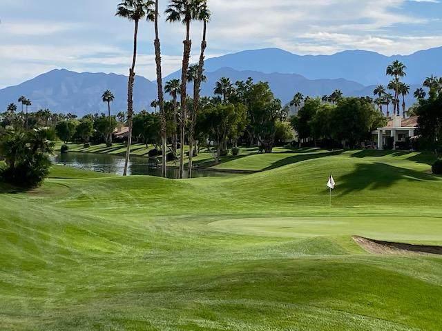 54-125 Oak Hill, La Quinta, CA 92253 (MLS #219052593) :: The Jelmberg Team