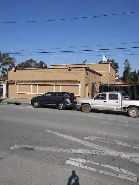 2421 E Artesia Boulevard, Long Beach, CA 90805 (MLS #219055987) :: Hacienda Agency Inc
