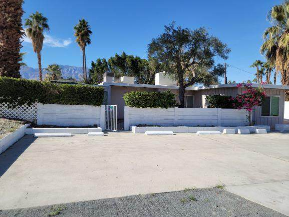 33725 Date Palm Drive, Cathedral City, CA 92234 (#219056291) :: The Pratt Group