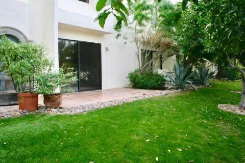 48844 Desert Flower Drive, Palm Desert, CA 92260 (#219056511) :: The Pratt Group