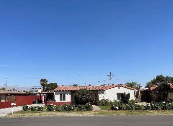 45162 Elm Street, Indio, CA 92201 (MLS #219060267) :: The Sandi Phillips Team
