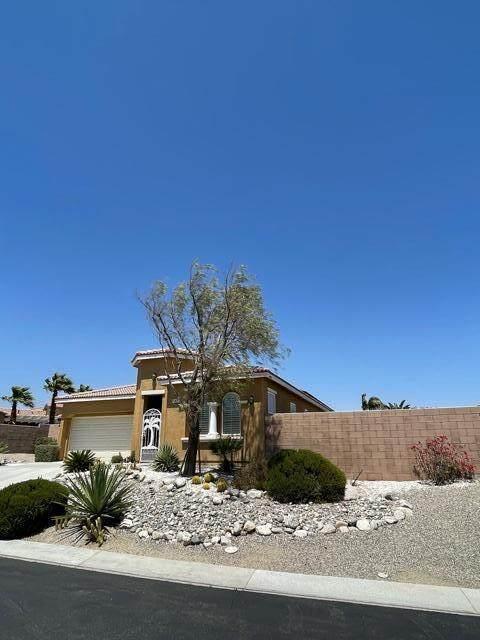 62472 S Starcross Drive, Desert Hot Springs, CA 92240 (#219061753) :: The Pratt Group