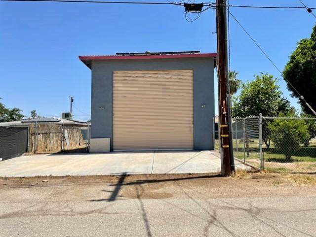 415 N 3rd Street, Blythe, CA 92225 (MLS #219061774) :: The Sandi Phillips Team