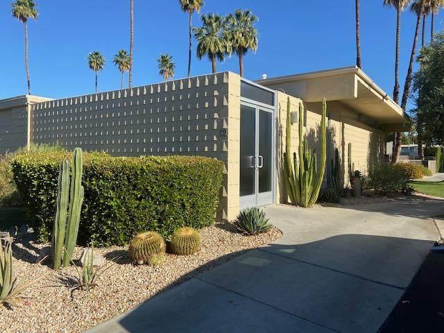 12 Desert Lakes Drive, Palm Springs, CA 92264 (MLS #219061968) :: The Jelmberg Team