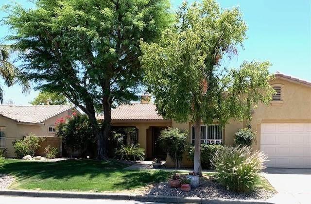 79371 Sierra Vista, La Quinta, CA 92253 (MLS #219062375) :: KUD Properties