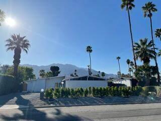 2193 S Broadmoor Drive, Palm Springs, CA 92264 (MLS #219063973) :: KUD Properties