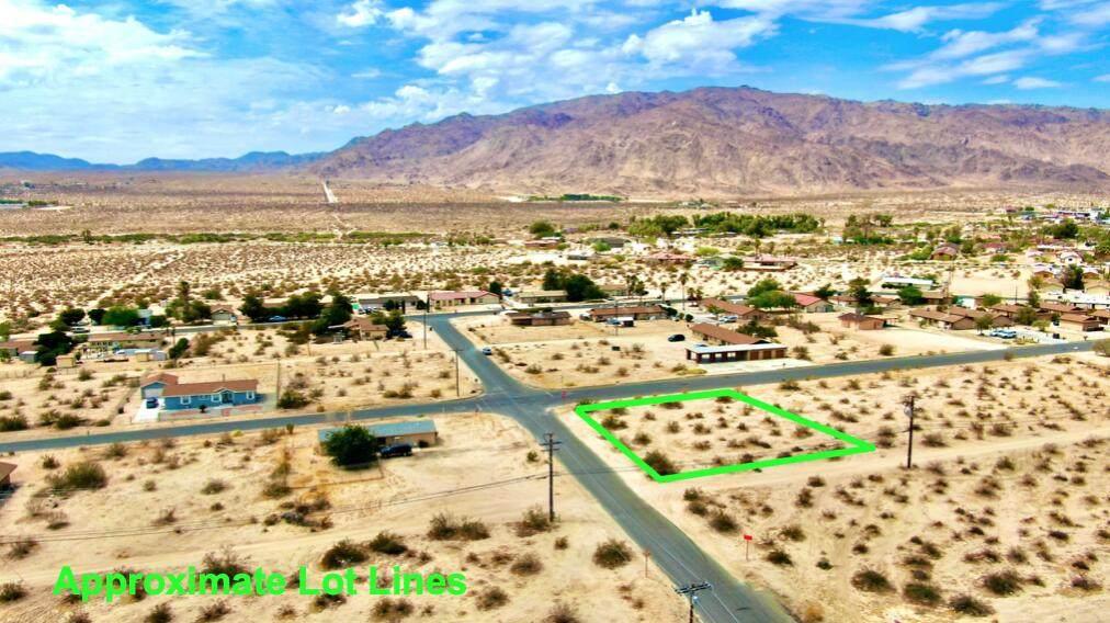 110 Cactus Drive - Photo 1