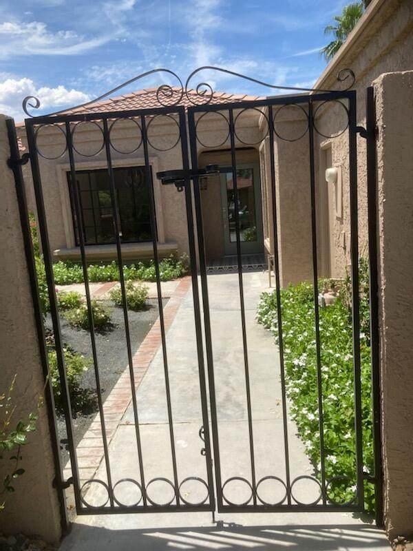 44189 Chamonix Court, Palm Desert, CA 92260 (MLS #219065532) :: Hacienda Agency Inc