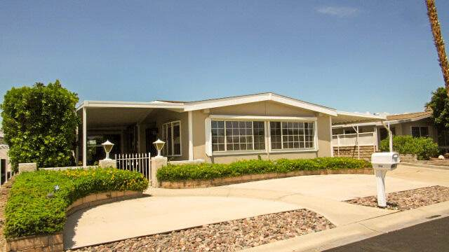 73866 Line Canyon Lane, Palm Desert, CA 92260 (MLS #219065642) :: Zwemmer Realty Group