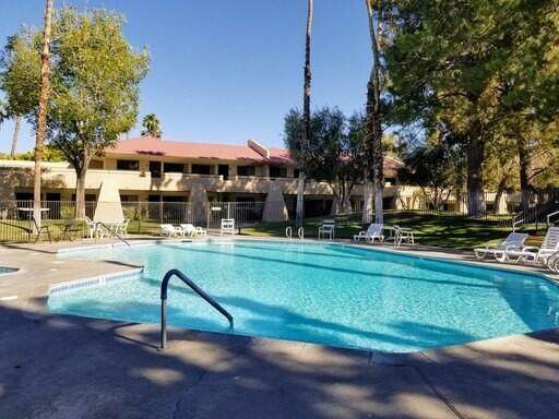 2809 N Los Felices Circle, Palm Springs, CA 92262 (MLS #219065743) :: Brad Schmett Real Estate Group