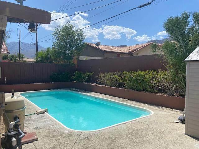 52795 Avenida Obregon, La Quinta, CA 92253 (MLS #219067776) :: The Sandi Phillips Team