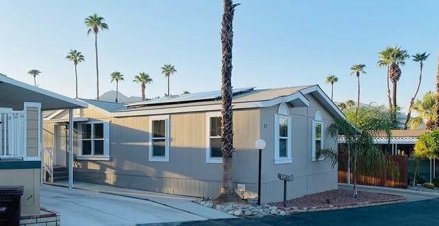 13 Circle A Drive, Palm Desert, CA 92260 (MLS #219069133) :: The John Jay Group - Bennion Deville Homes