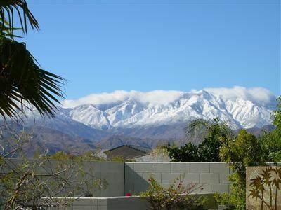 1 Champagne Circle, Rancho Mirage, CA 92270 (MLS #219069470) :: The John Jay Group - Bennion Deville Homes