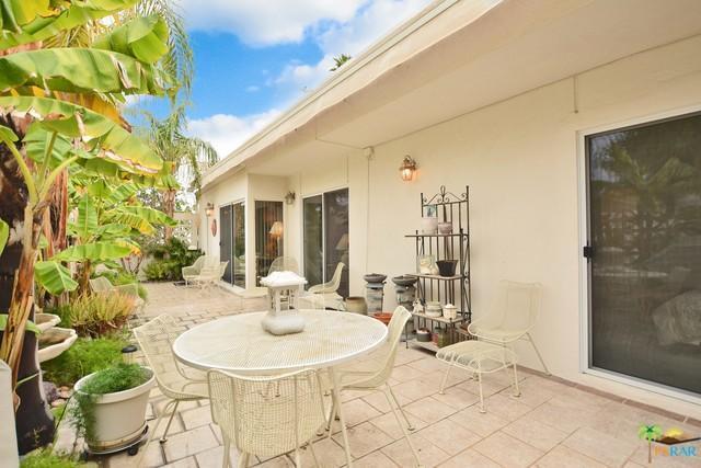 2522 E Morongo, Palm Springs, CA 92264 (MLS #17204042PS) :: The John Jay Group - Bennion Deville Homes
