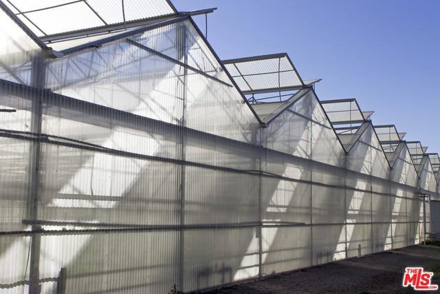 4711 Foothill Road, Carpinteria, CA 93013 (MLS #17210860) :: Hacienda Group Inc