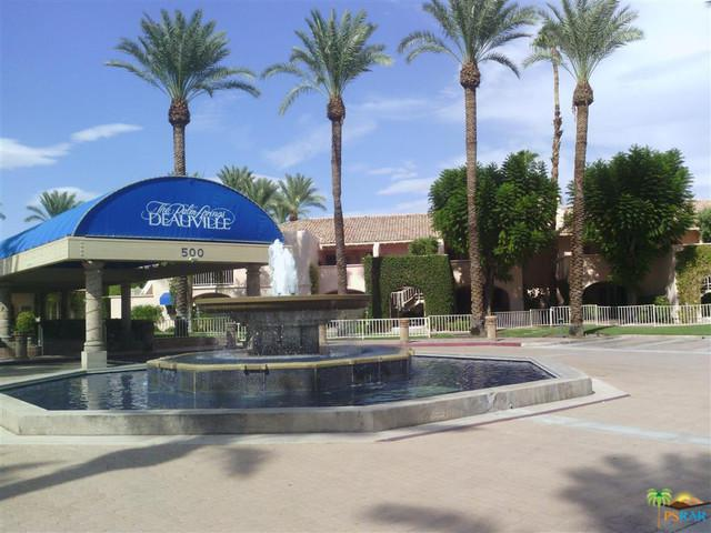 500 E Amado Road #203, Palm Springs, CA 92262 (MLS #17252268PS) :: The John Jay Group - Bennion Deville Homes