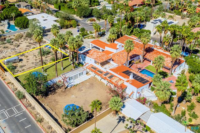 520 W Ramon Road, Palm Springs, CA 92262 (MLS #17256650PS) :: Deirdre Coit and Associates