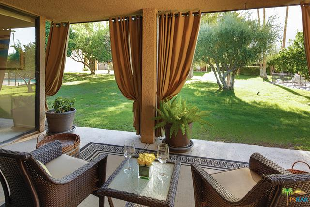 1843 Via Isla, Palm Springs, CA 92264 (MLS #17269768PS) :: The John Jay Group - Bennion Deville Homes