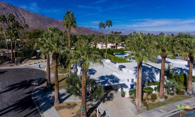 1350 Fuego Circle, Palm Springs, CA 92264 (MLS #17293160PS) :: Brad Schmett Real Estate Group