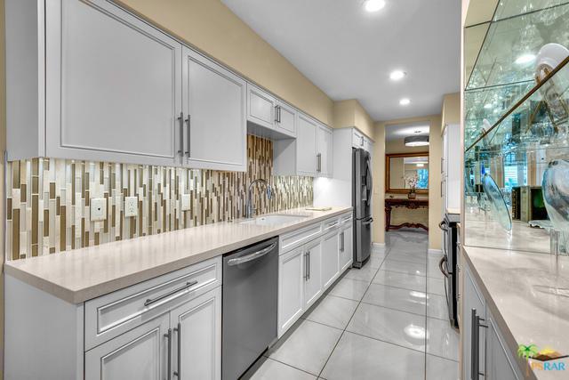 2424 E Palm Canyon Drive 1B, Palm Springs, CA 92264 (MLS #18309584PS) :: Brad Schmett Real Estate Group