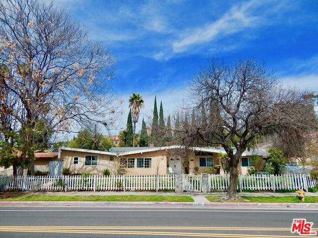 22201 Burbank, Woodland Hills, CA 91367 (MLS #18313690) :: The John Jay Group - Bennion Deville Homes