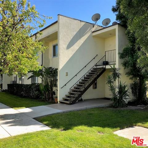 11813 Runnymede Street, North Hollywood, CA 91605 (MLS #18317180) :: The John Jay Group - Bennion Deville Homes