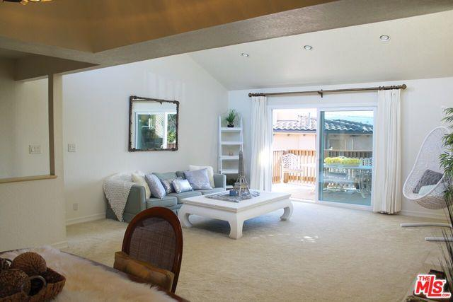 228 S Irena Avenue A, Redondo Beach, CA 90277 (MLS #18320248) :: The John Jay Group - Bennion Deville Homes