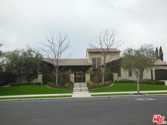 2703 Tiverton Drive, Bakersfield, CA 93311 (MLS #18320472) :: The John Jay Group - Bennion Deville Homes