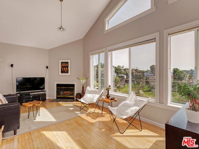 3732 Brilliant Drive, Los Angeles (City), CA 90065 (MLS #18321732) :: The John Jay Group - Bennion Deville Homes