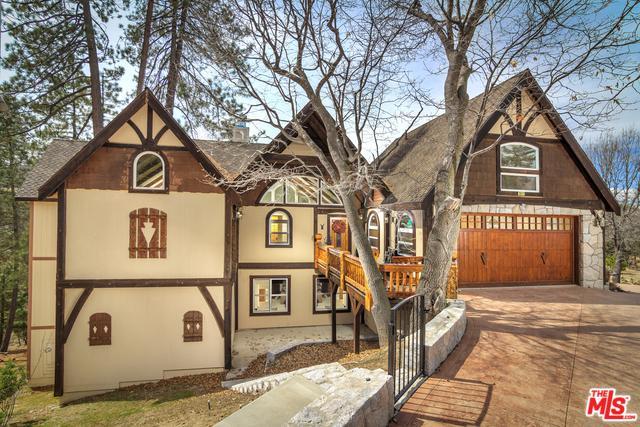 28571 Manitoba Drive, Lake Arrowhead, CA 92352 (MLS #18321802) :: The John Jay Group - Bennion Deville Homes