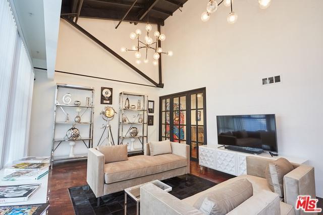 1046 Princeton Drive #208, Marina Del Rey, CA 90292 (MLS #18324254) :: The John Jay Group - Bennion Deville Homes