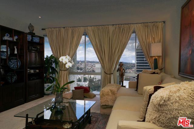 800 W 1st Street #1702, Los Angeles (City), CA 90012 (MLS #18324564) :: The John Jay Group - Bennion Deville Homes