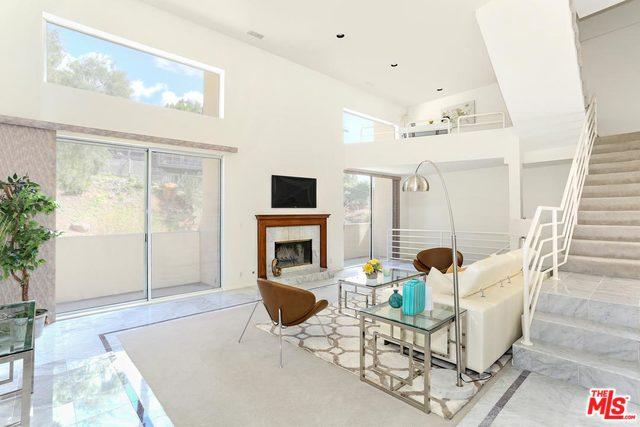 647 Museum Drive, Los Angeles (City), CA 90065 (MLS #18324632) :: The John Jay Group - Bennion Deville Homes