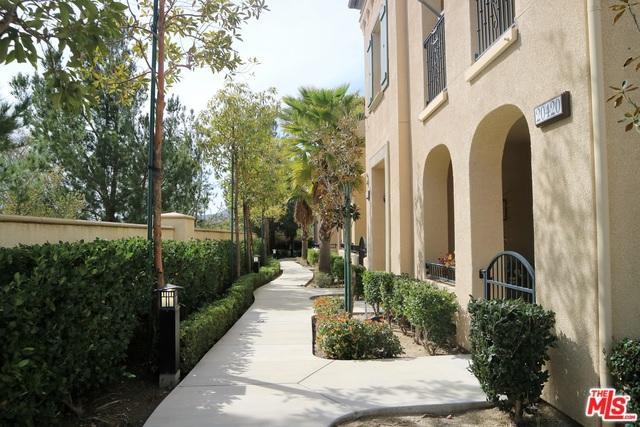 20424 Paseo Cresta, Northridge, CA 91326 (MLS #18325234) :: Hacienda Group Inc