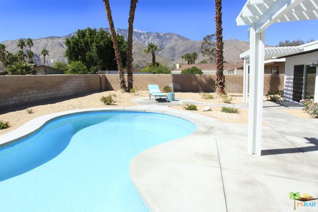 1255 E Racquet Club Road, Palm Springs, CA 92262 (MLS #18327704PS) :: Brad Schmett Real Estate Group