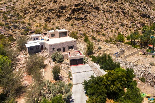 1851 W Crestview Drive, Palm Springs, CA 92264 (MLS #18340196PS) :: Brad Schmett Real Estate Group