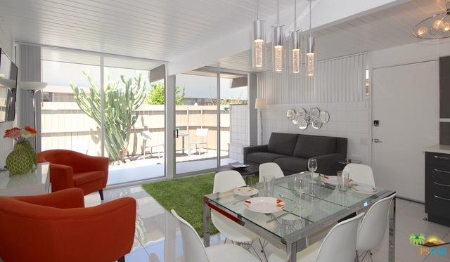 1111 E Palm Canyon Drive #308, Palm Springs, CA 92264 (MLS #18340730PS) :: Hacienda Group Inc