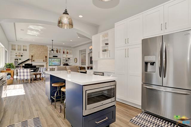 49470 Loren Court, La Quinta, CA 92253 (MLS #18340960PS) :: Brad Schmett Real Estate Group