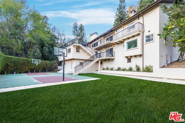 11420 Amanda Drive, Studio City, CA 91604 (MLS #18345268) :: Deirdre Coit and Associates