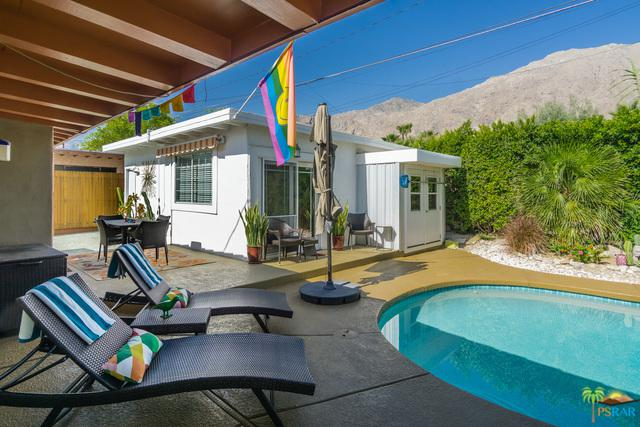 585 S Calle Santa Rosa, Palm Springs, CA 92264 (MLS #18346260PS) :: Team Wasserman