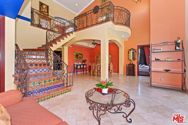 339 S Virginia Avenue, Azusa, CA 91702 (MLS #18347208) :: Hacienda Group Inc