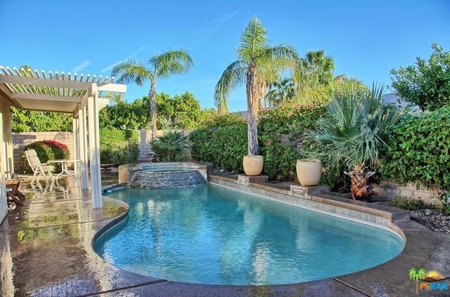 603 E Lily Street, Palm Springs, CA 92262 (MLS #18349778PS) :: Brad Schmett Real Estate Group