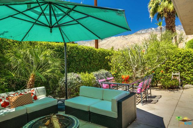1712 E Chia Road, Palm Springs, CA 92262 (MLS #18361078PS) :: Team Wasserman
