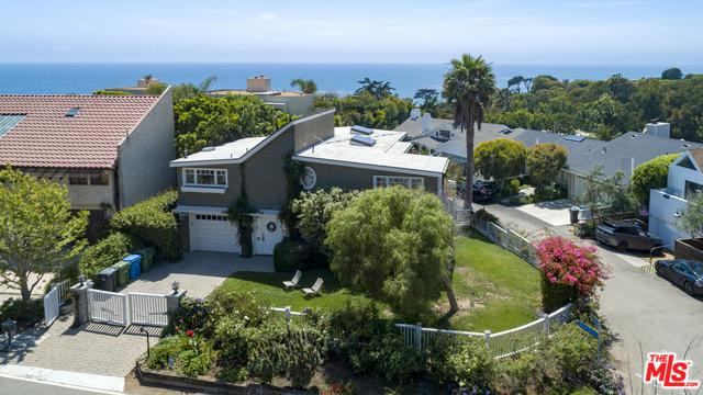 31834 Broad Beach Road, Malibu, CA 90265 (MLS #18368156) :: The John Jay Group - Bennion Deville Homes