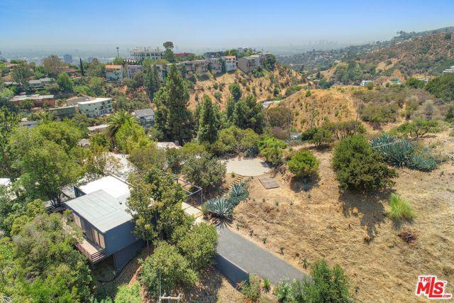 2750 Rinconia Drive, Los Angeles (City), CA 90068 (MLS #18368968) :: The John Jay Group - Bennion Deville Homes