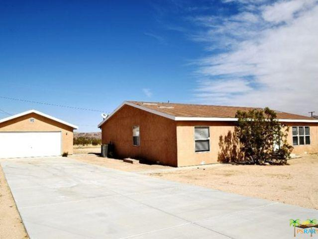 63448 Walpi Drive, Joshua Tree, CA 92252 (MLS #18369666PS) :: Brad Schmett Real Estate Group